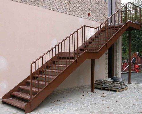 Hierro para escaleras imagui for Escaleras de exterior metalicas