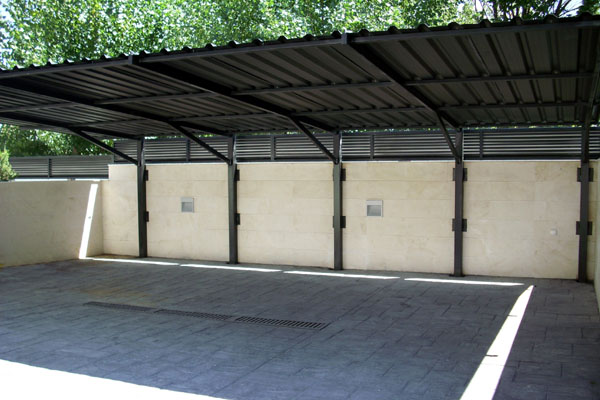 Techos de aparcamientos hierro y mas for Cubiertas para garajes