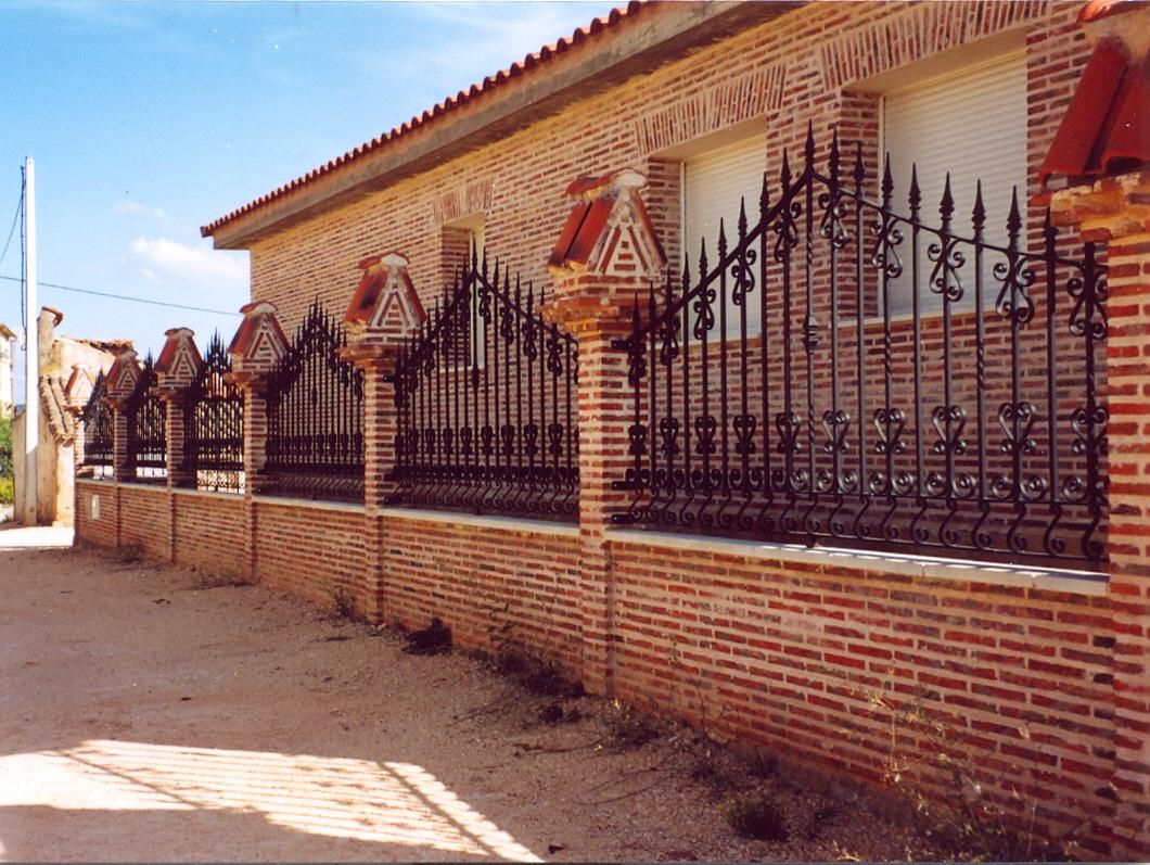 Vallado perimetral hierro y mas - Vallas de forja ...